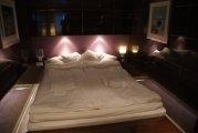 Sypialnia w ekskluzywnej kabinie Panorama Suite