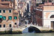 Costa Favolosa wpływa do Wenecji mijając urokliwe kanały - Costa Favolosa flows into Venice