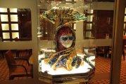 ozdoby w Grand Bar na pokładzie Tivoli - decorations in the Grand Bar on board Tivoli